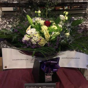 the-kiss-floral-bouquet